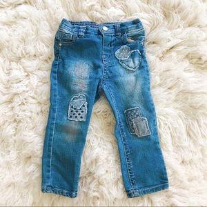 Kids embellished jeans.